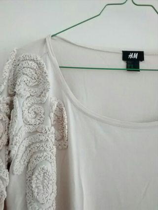 Camiseta HyM ancha color nude