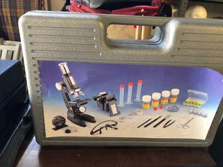 Microscopio educativo
