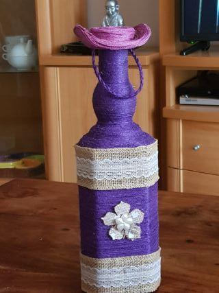 botella decorada artesanalmente
