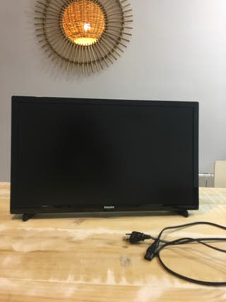 Televisor LED Full HD plano 22''