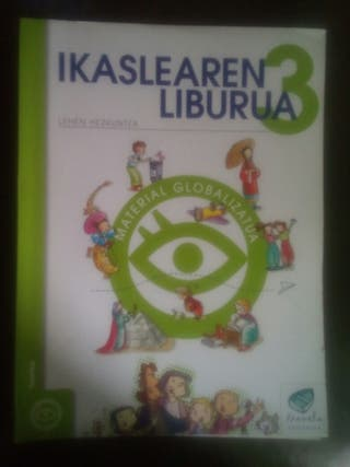 Libros de texto 3° primaria de la ikastola.