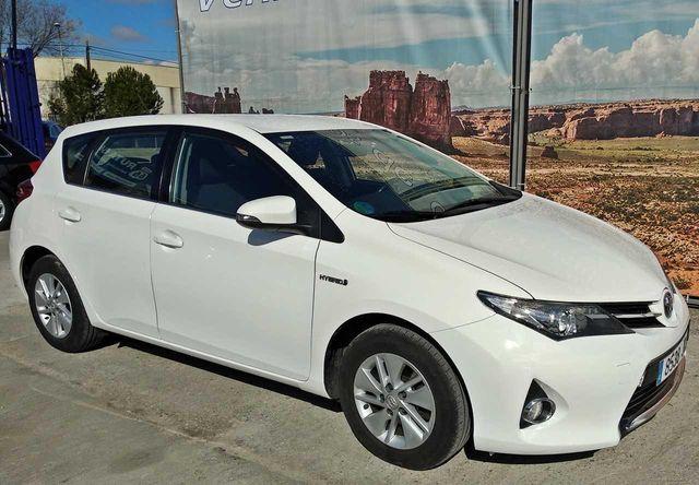 Toyota Auris Hybrid Active