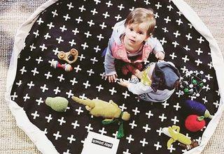 Alfombra saco juguetes bebé nórdico
