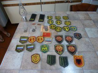 lote de más de 30 insignias y punta bandera URSs