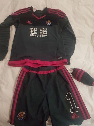segunda equipacion Real Sociedad chica