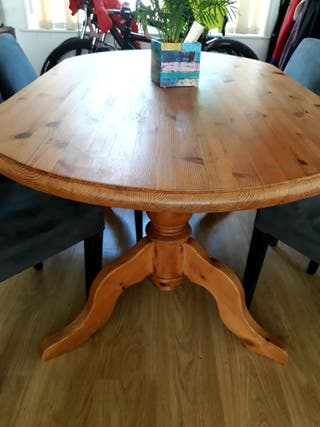 Large dining table (4 chairs for free)