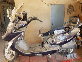 moto kinko 125 con motor averiado