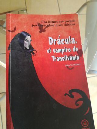 Libro lectura Dracula, el vampiro de Transilvania