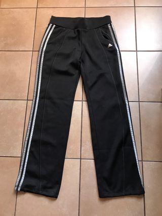 Pantalon Chándal Adidas de segunda mano por 13 € en