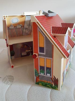 Casa de muñecas maletín Playmobil