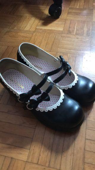 Zapatos lolita de Bodyline