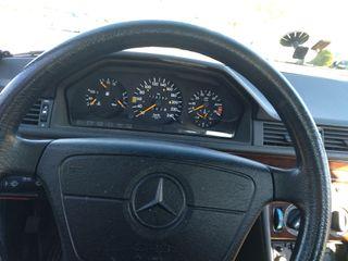 Mercedes-Benz Clase E 1993 Gasolina. 220E
