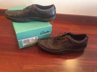 Zapatos chico marca Clarks