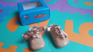 Zapatos charol bebé