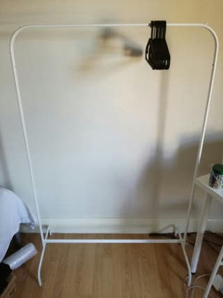 clothes rack (to collect)