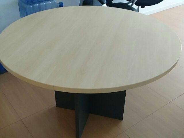 Mesa redonda oficina de segunda mano por 40 € en Barcelona - wallapop