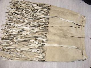 Falda de ante con flecos