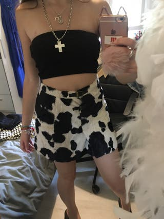 Falda con estampado de vaca
