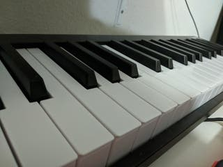 Controlador MIDI Alesis V49 Piano