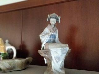 Figura China antigua hecha a mano