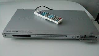 DVD + altavoces Home Cinema. AIRIS