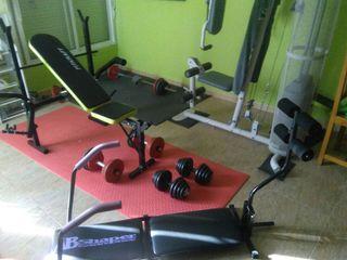 Máquinas ejercicio multifunción.
