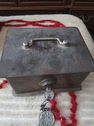 caja fuerte pequeña