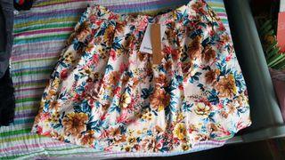 falda stradovarius talla 42 con etiqueta