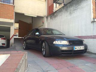 Audi A4 1.8t con todo lo del s4