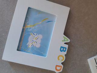 medidor pared para niño y marco foto
