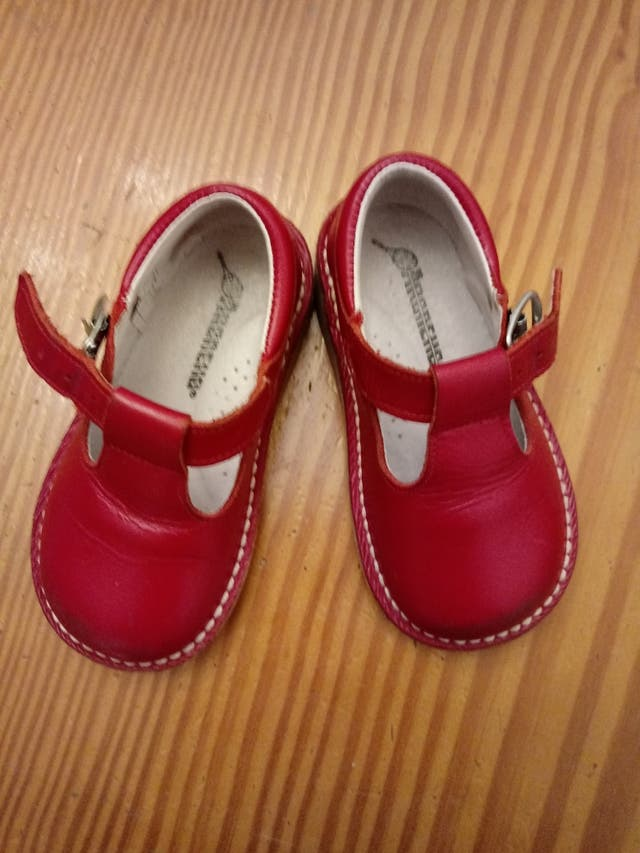 abf728a6b Zapatos niña numero 22 de segunda mano por 10 € en Valdencina en ...
