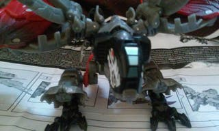 Transformer Laserbeak de Hasbro