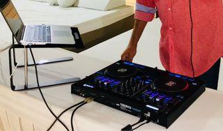 Dj mixer Reloop Beatpad
