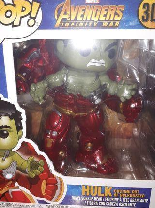 funko pop Hulk busting out of hulkbuster