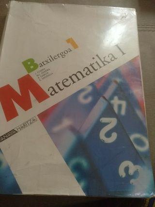 Libro de 1º matematicas en euskera y Euskera de 2º