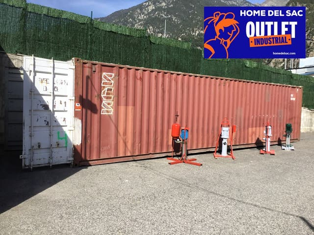 CONTAINERS MARITIMS second hand for 1,500 € in Santa Coloma in WALLAPOP