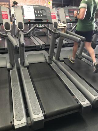 gimnasio completo BH y cardio lifefitness