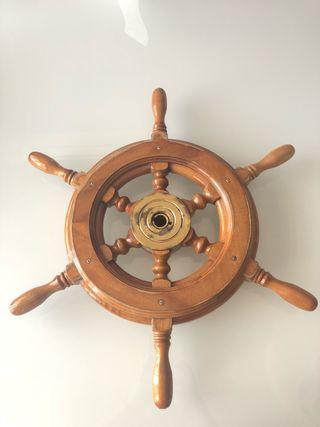 Rueda de timón barco