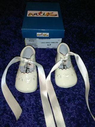 Zapatito/zapato bebé charol talla 17 lazo de raso