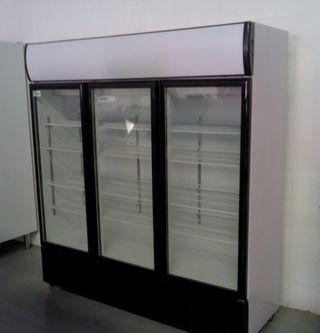 Armario expositor refrigerado 3 puertas