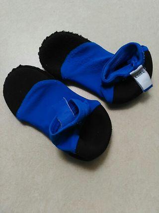 calcetines para piscina cubierta