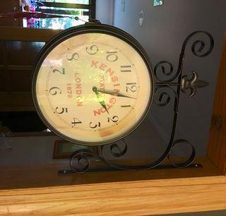 Reloj antigua estacion
