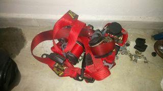 cinturones rojos Fiat Cinquecento