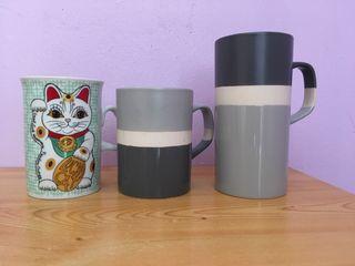 Juego de tazas variadas