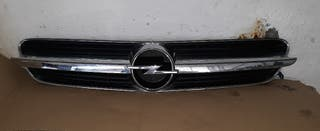 parrilla delantera Opel victra
