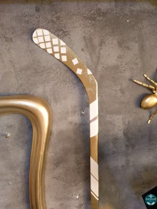Palo Hockey Decoración 162cm Alto Blanco Dorado