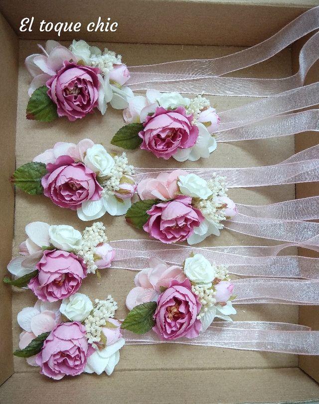 fdfd327d78 Pulseras flores Dama de honor  amigas de la novia de segunda mano ...