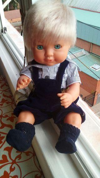 muñeco famosa. A - 7- 92 -B