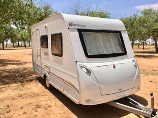 caravana 750 kg Sterckeman Evolution 390