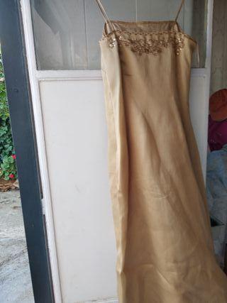 traje de mujer